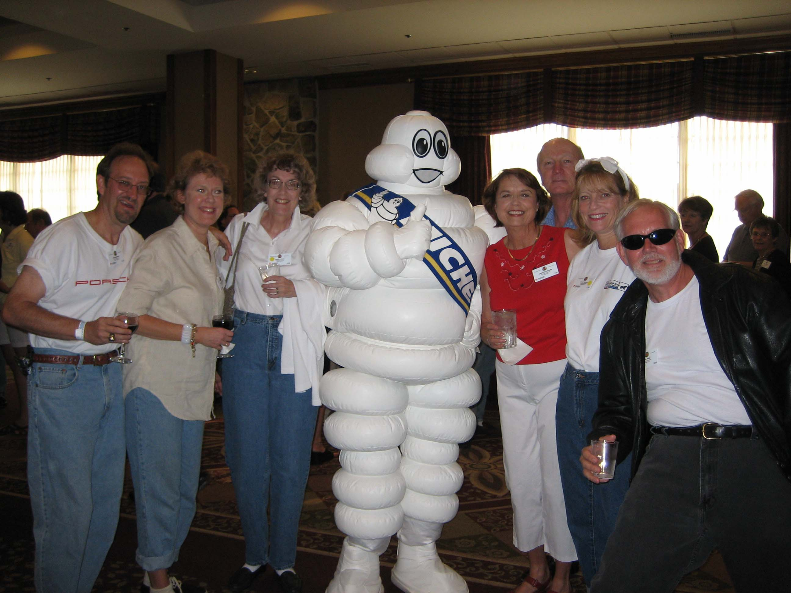 2005-Porsche-Parade-BGR-Memebers-with-Michelin-Man